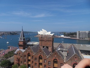 view from holiday inn old sydney