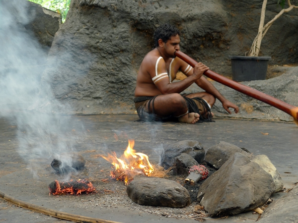 aboriginal and fire at Tjapukai
