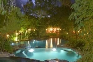 spa-pool-at-night