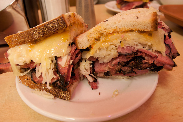 What Kind Of Food Is New York City Famous For